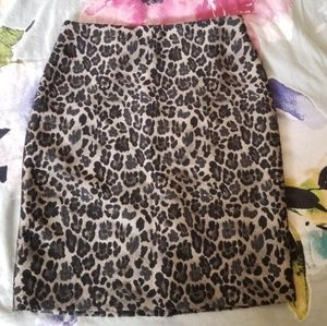 Ann Taylor Cheetah/Leopard Skirt FALL 2019 TREND